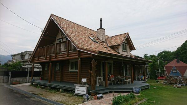 再塗装後のログハウス