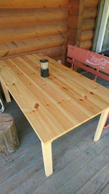 デッキに置くテーブル